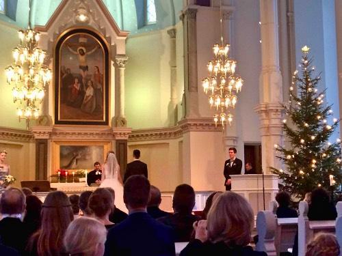 Elisa-ja-Johnny-vihkiminen-kirkossa