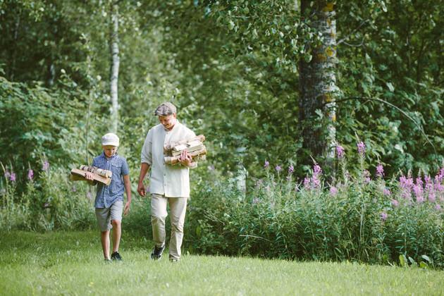 Saunaan-kannetaan-puita