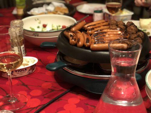 Raclettegrilli-ja-vesipullo