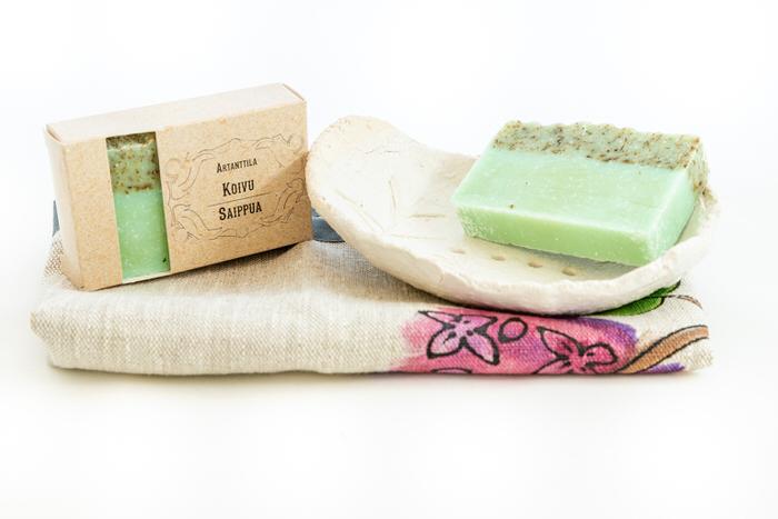 Setti-koivusaippua-saippuateline-ja-pyyhe