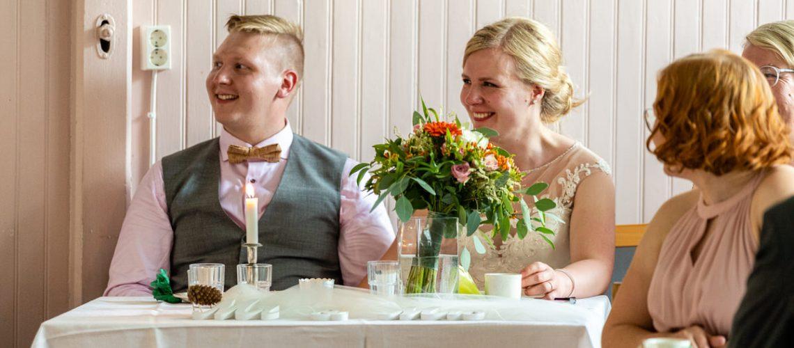 Ilona-ja-Markus-istuvat